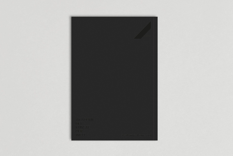 Broschüre | Rückseite | Detail | Veredelung | Lack