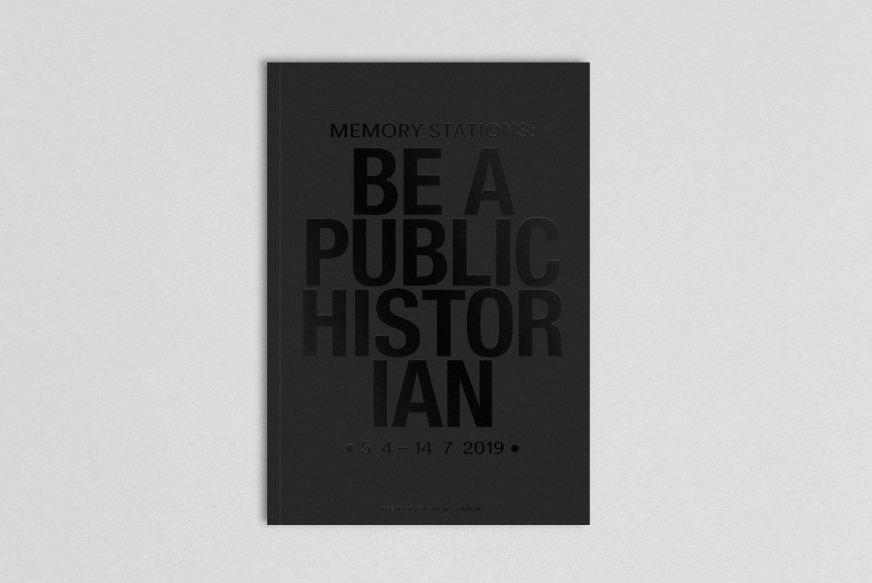 Cover | Lack | Veredelung | Typografie | schwarz auf schwarz