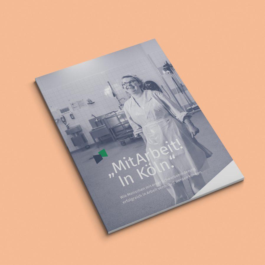 Broschüre | Cover Design |Titel | Fotografie