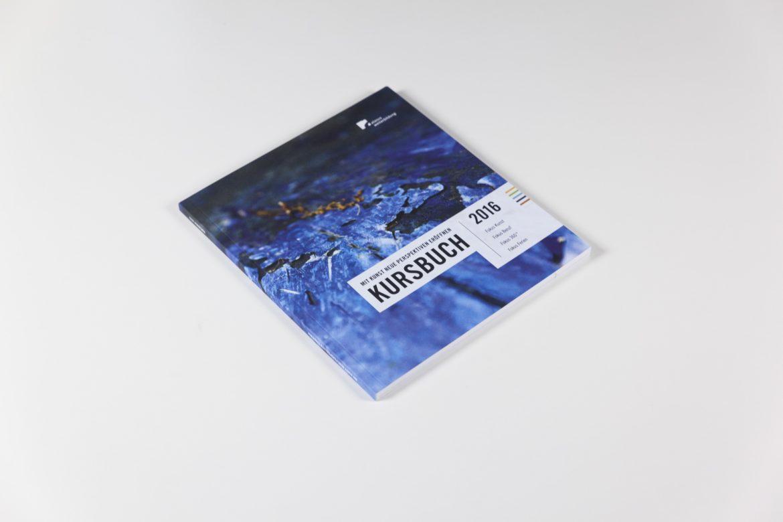 Cover | Kursbuch | Weiterbildungszentrum | Editorial Design